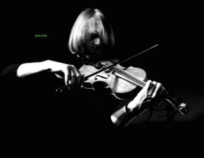 Viola Player Gunter Pretzel